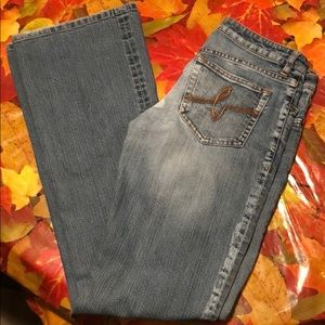 Casual Bebe Jeans with swirl pocket